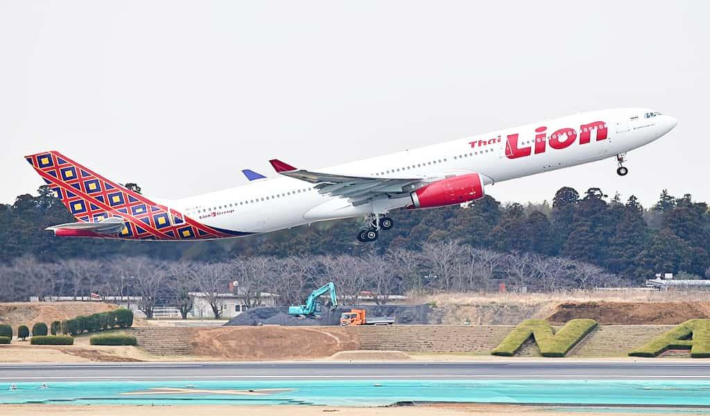 Phuket to bangkok travel by flight