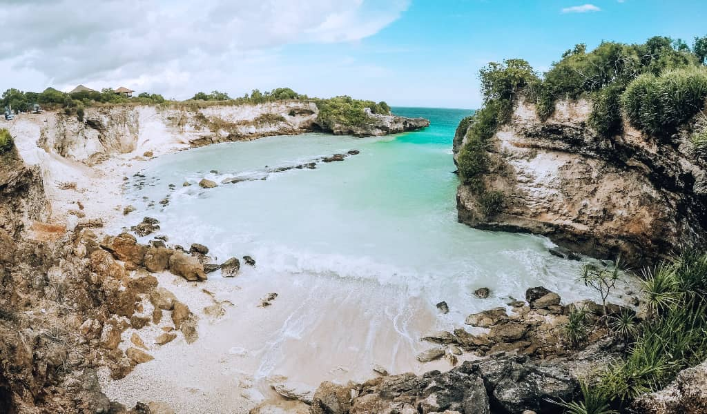 Indonesia: $20-35/day